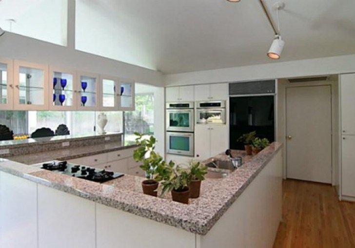 Open Kitchen Designs With No Walls