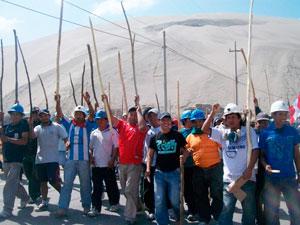 Mineros inician huelga indefinida por despidos en mina Condestable