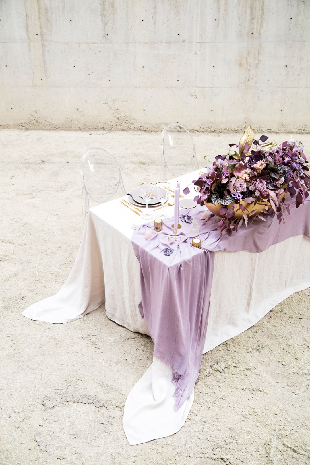 Lush-Amethyst-Wedding-Inspiration-4