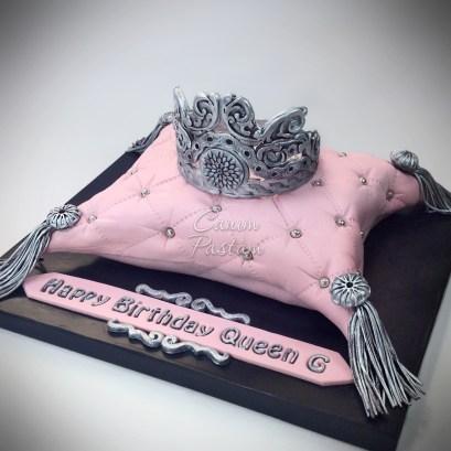 Crown Cake Yastık Pasta