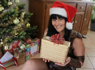 happy_solstice_and_merry_christmas_from_xena_by_thewarriorprincess-d4jqslv