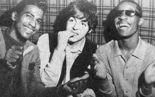 Paul y Stevie Wonder, mucho antes de 'Ebony and Ivory'.