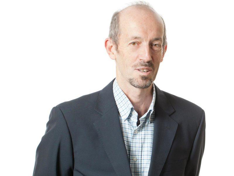 Dr Ian Irvine