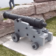 Square-thumb_castle_cannon