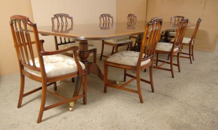 Regency Dining Set søylebord og Hepplewhite