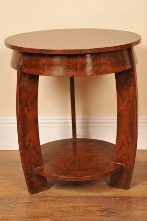 装饰艺术风格的核桃边桌