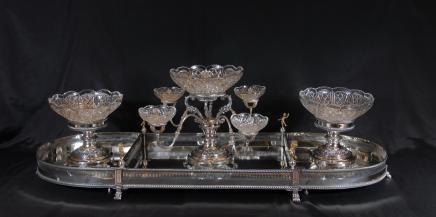 Английском Шеффилде Серебряная пластина Epergne Centrepiece