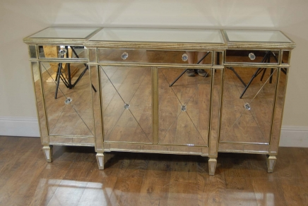Art Deco Mirrored Breakfront Skjenk Chest