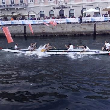 Canoa-kayak: con i dragon boat alla Barcolana a Trieste
