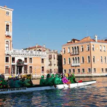 Canoa-kayak: Carnevale in dragon boat