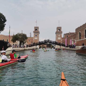 Canoa-kayak: A Venezia con gli amici di Iseo