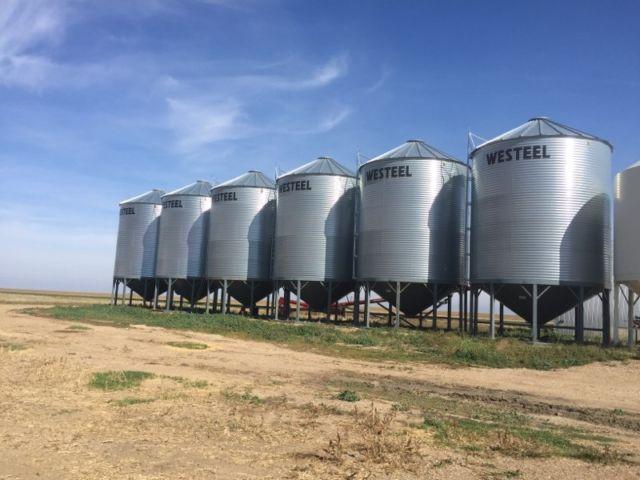 6 X 1805 Westeel Hopper Bins In RADVILLE SK Grain Bins