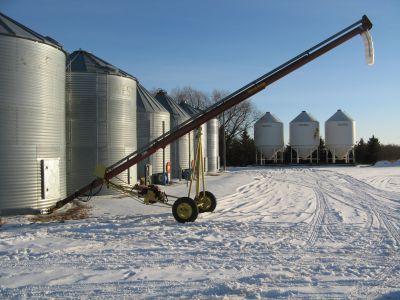 Farm King 7 x 36 Grain Auger in PILOT MOUND MB  Grain Augers