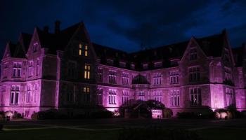 El Palacio de La Magdalena se teñirá de rosa para reivindicar los derechos de las niñas / Foto: archivo Ayuntamiento de Santander