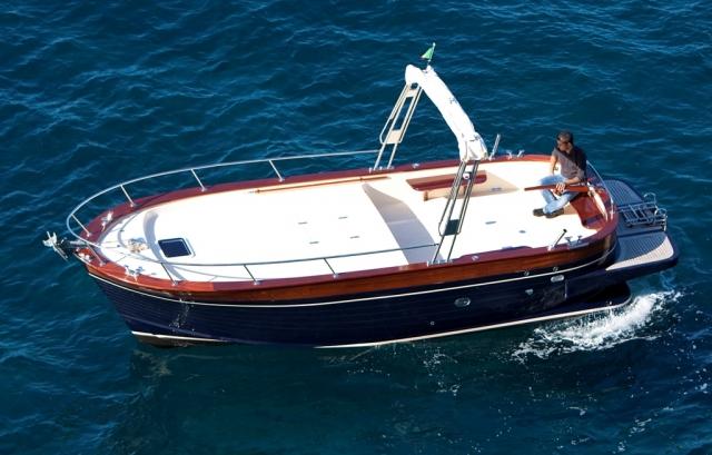 Cantiere Maresca  Gozzo sorrentino Riparazioni barche in
