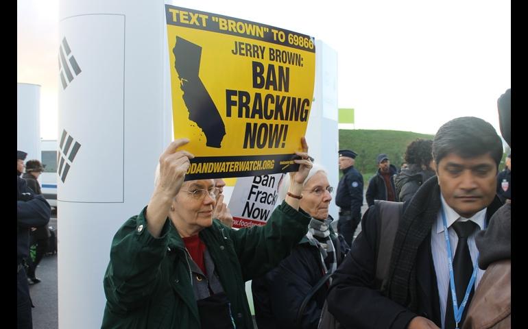 Nun Against Fracking Proetesting in Paris 2015