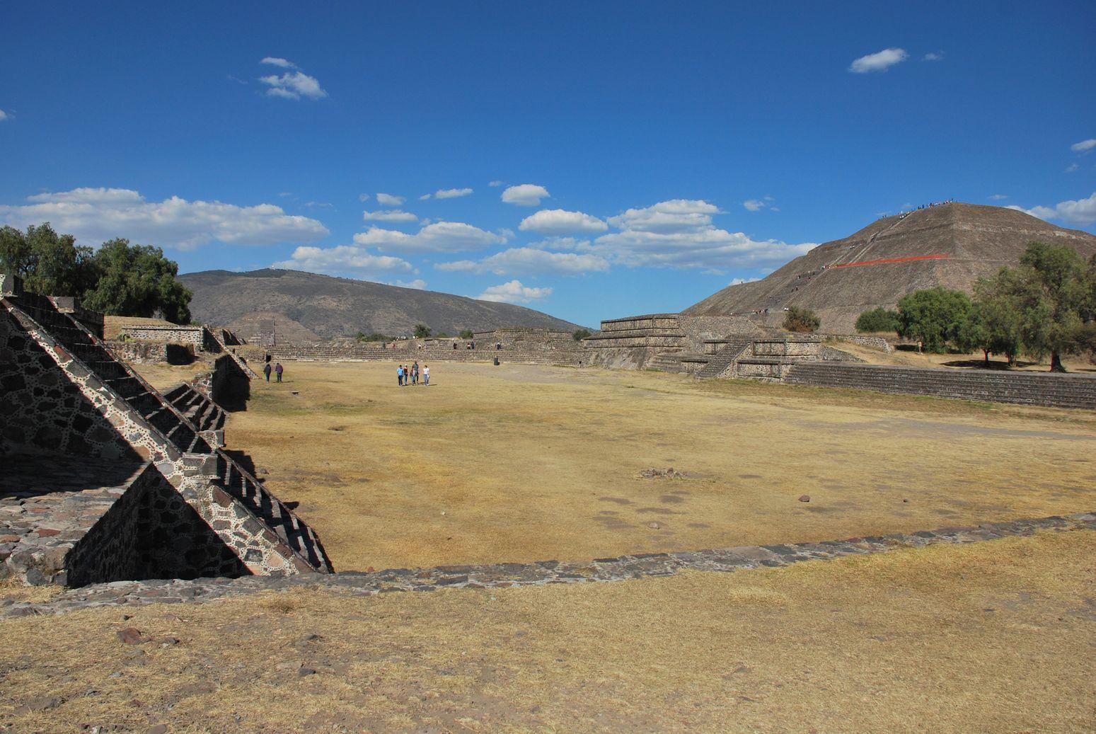 J 117 et 118: Tula et Teotihuacan