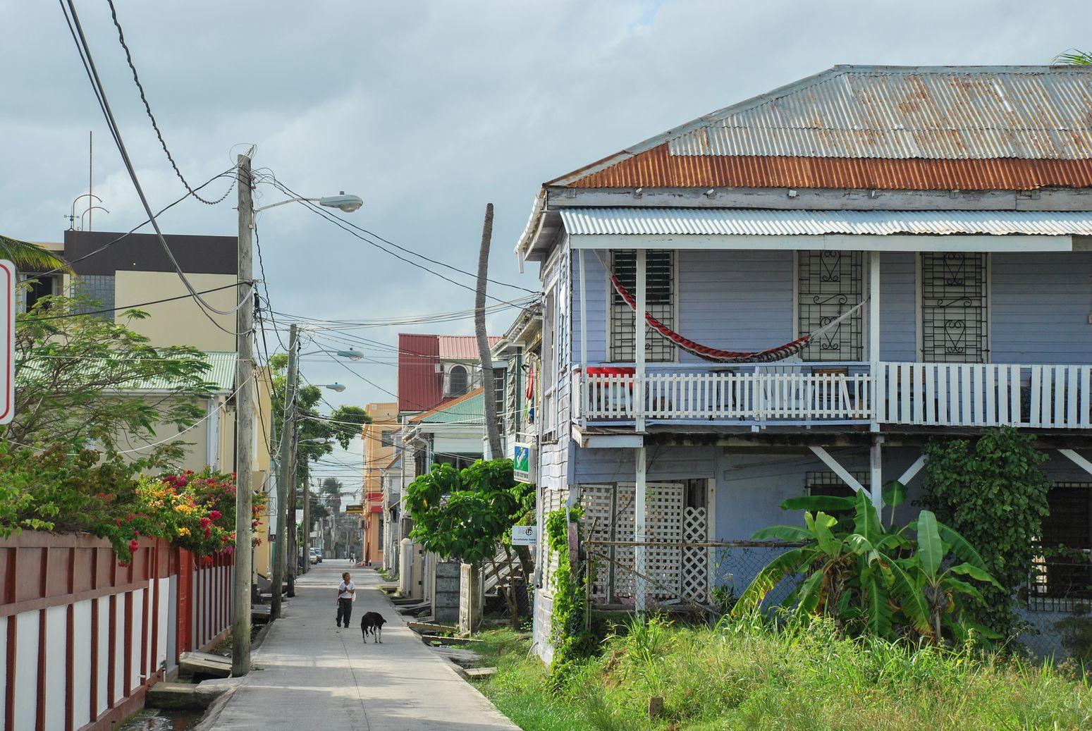 J 143 à 147: Le Belize