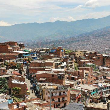 J240 à J243 – Medellín, des quartiers populaires à la métropole moderne