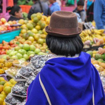 J 248 à 251 : Du bleu électrique des ponchos de la communauté Misak de Silvia au blanc immaculé de la ville de Popayán