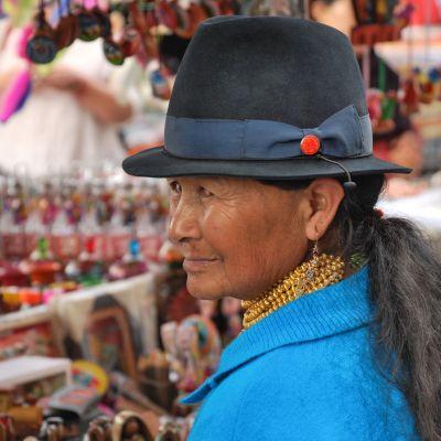 Otavalo_Femme_Chapeau