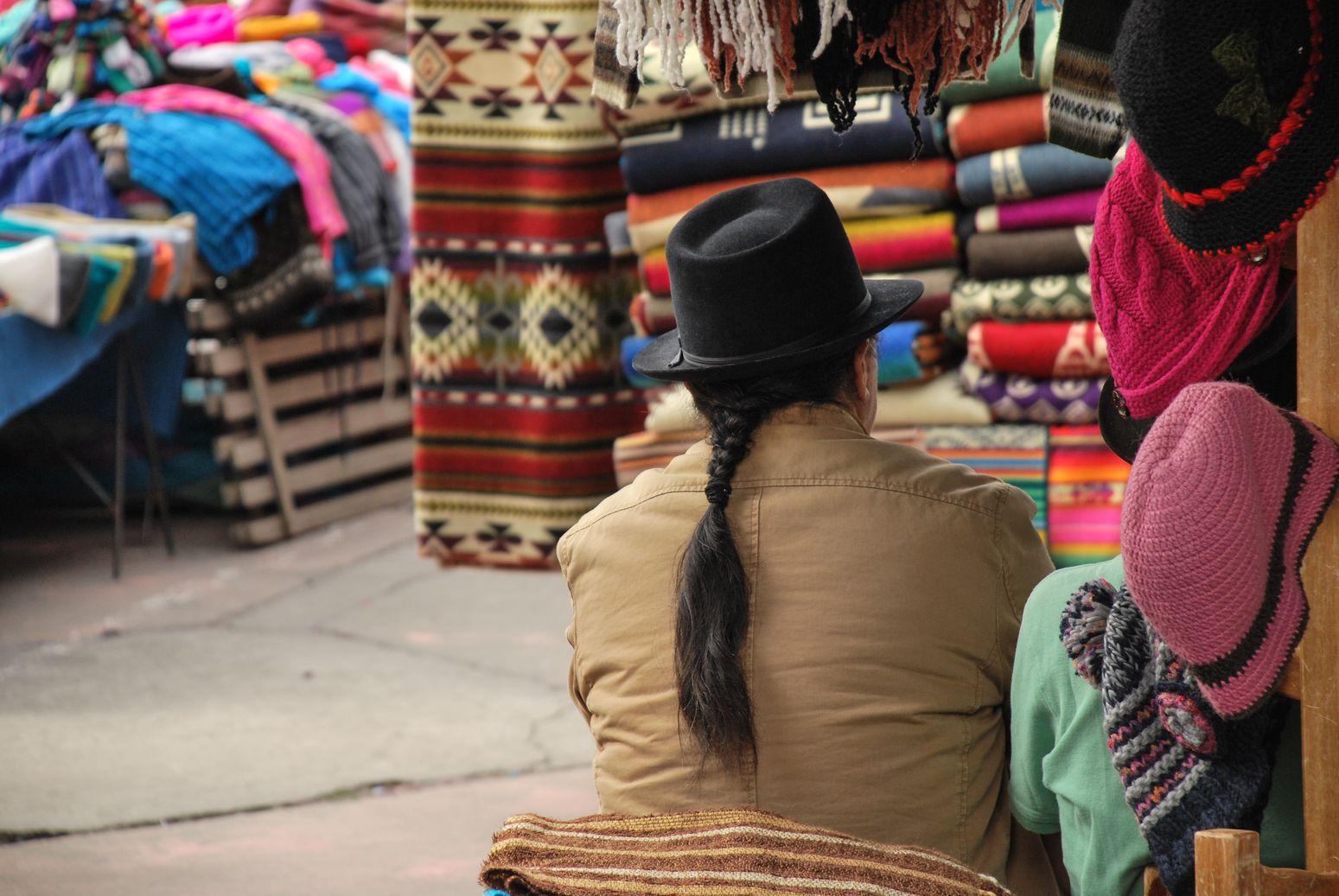Otavalo_Homme_dos