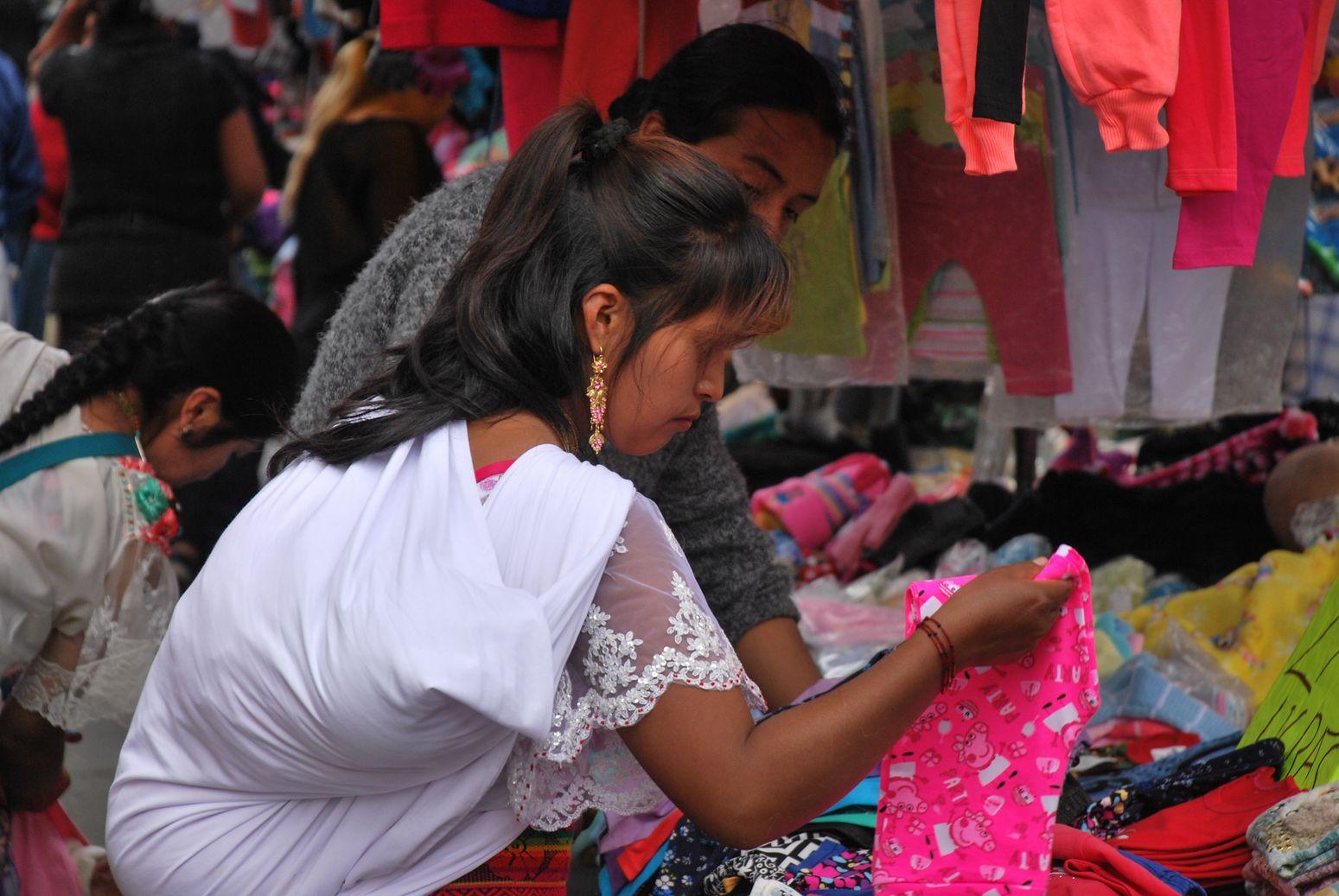 Otavalo_Maman_Bebe