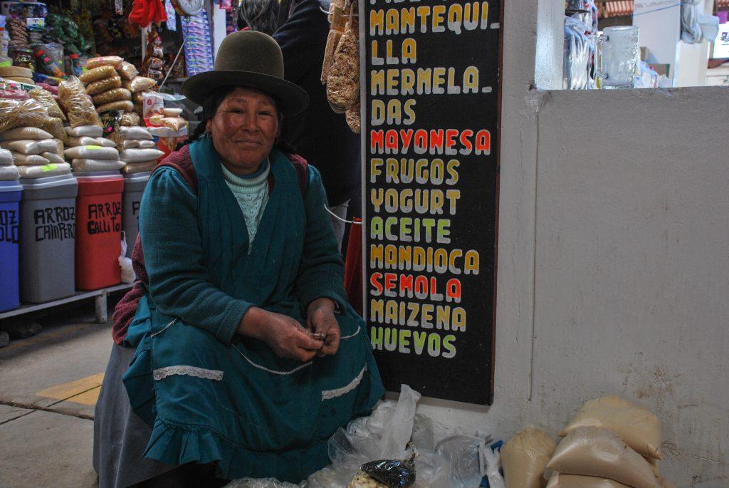 Femme_Marche_Cuzco