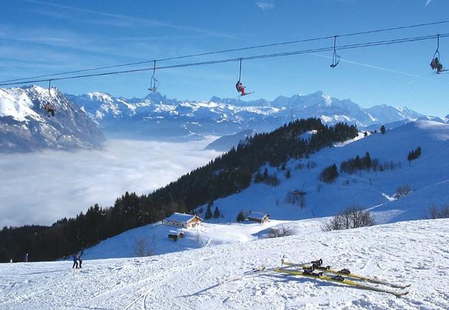 Station de ski Massif des Brasses  Alpes du Nord  HauteSavoie  Ecoles de ski
