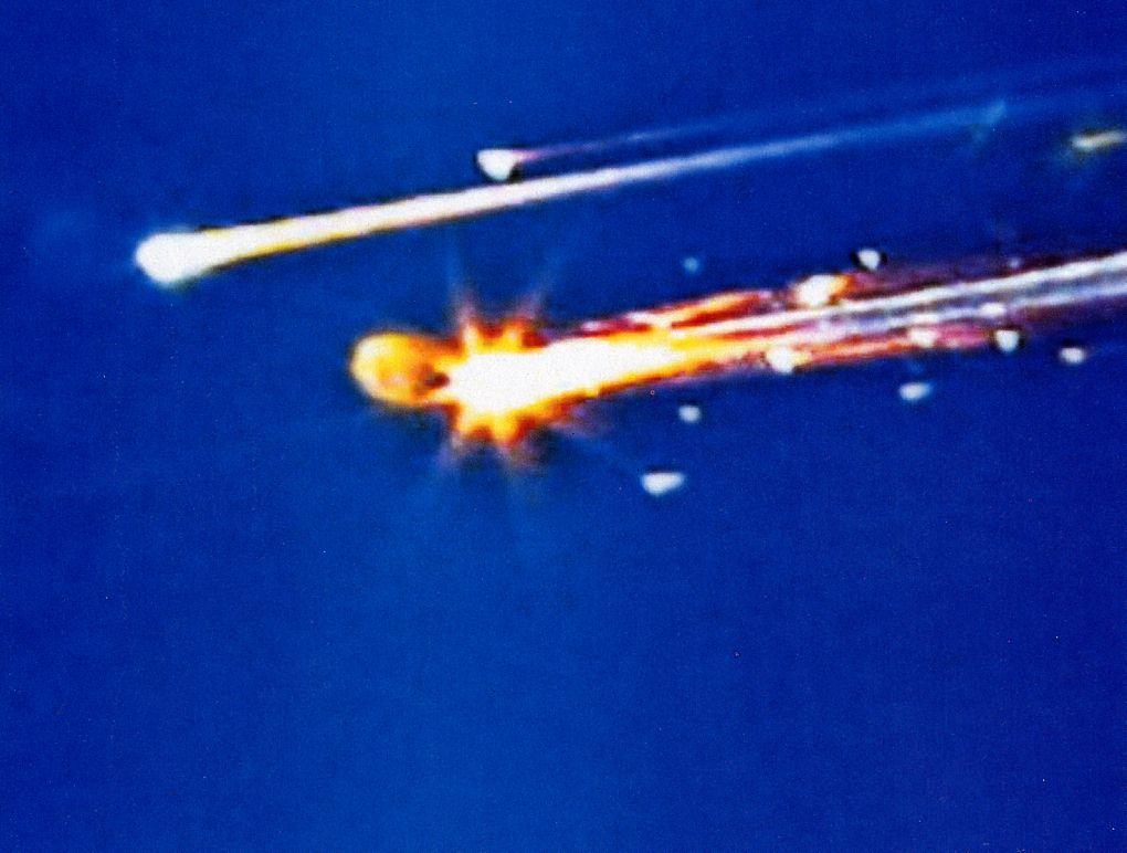 https://i0.wp.com/www.capcomespace.net/dossiers/espace_US/shuttle/1996-2005/STS107/STS107%20crash%2004.jpg