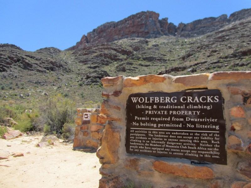 Wolfberg Cracks trailhead, Sanddrift, Central Cederberg