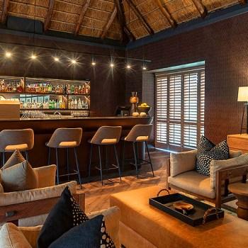 Eagles Crag Lodge Bar Area
