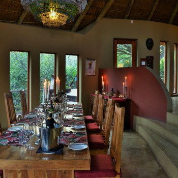 Sibuya Bush Lodge Dining