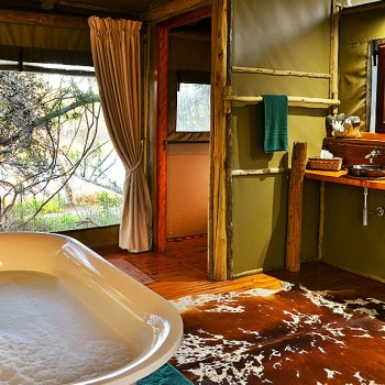 Sibuya River Lodge Bathroom Area