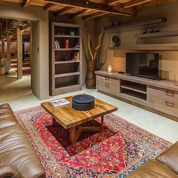 Ukhozi Lodge Kariega TV Lounge