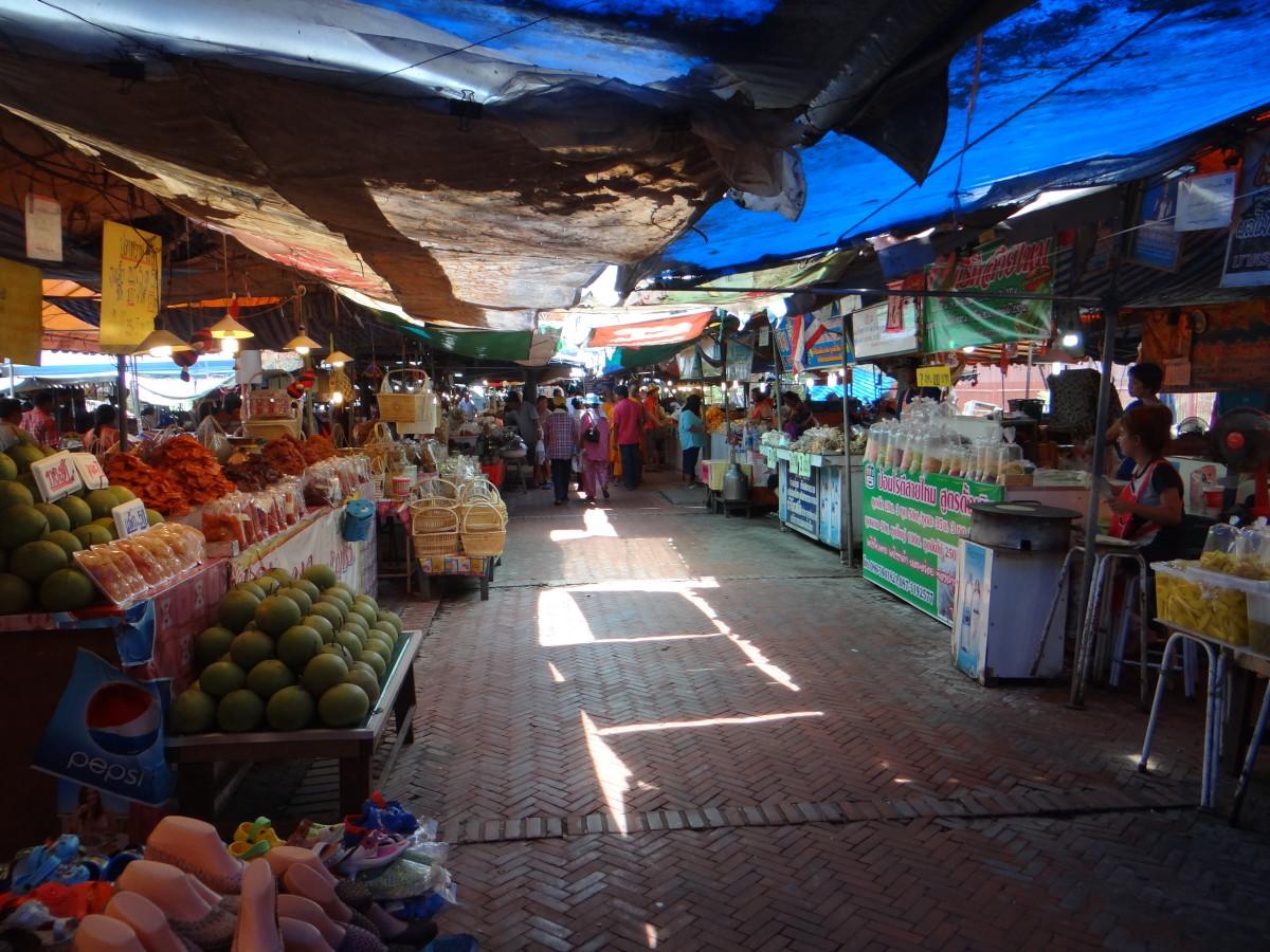 Ayutthaya food market // Thailand