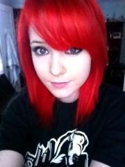 capelli rosso acceso corti siete