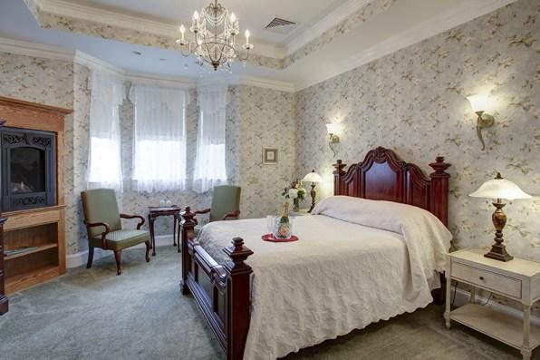 suites 102