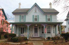 Sandra Lynn Cottage, 818 Washington