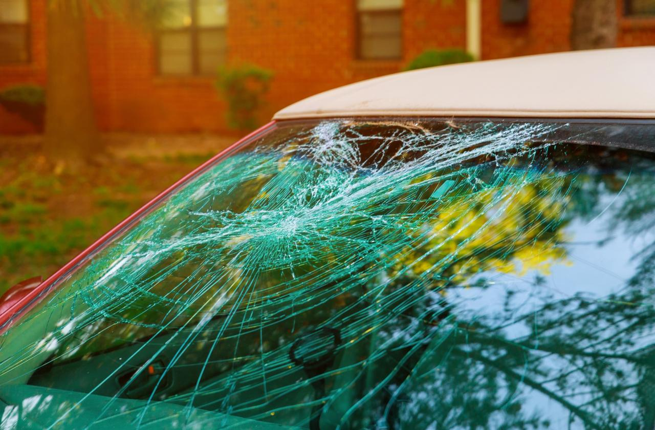 car-hire-rental-cape-town-waiver-damage-deposit-windscreen