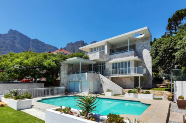 Screen Shot 2019 08 08 at 3.28.44 PM 600x398 - Coveted Cape property prices plummet
