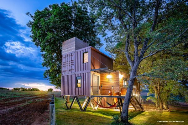 78708821 828618127593647 7954364721652563968 o 600x400 - Innovative container homes from around the world