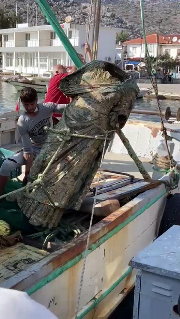 """Αρχαίο χάλκινο άγαλμα που μοιάζει με την """"Κυρά της Καλύμνου"""" βρέθηκε στη Μαρμαρίδα"""