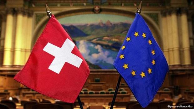 """Γιατί η Ελβετία λέει """"όχι"""" στην ΕΕ μετά από 24 χρόνια"""