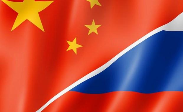 """Κίνα και Ρωσία """"παίζουν"""" με τη Δύση"""
