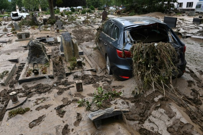 Germany picks through rubble after deadly European floods