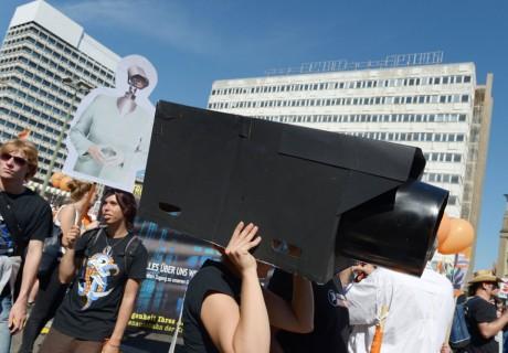 A protest against American spying in Berlin ((AP/Ranier Jensen)