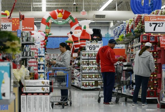 Shopping at a less-than-crowded Wal-Mart on Thanksgiving Day near Los Angeles (AP)
