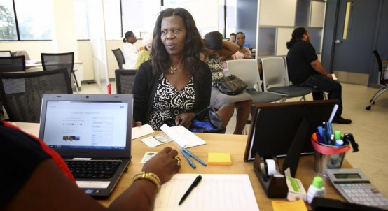 Unidentified client tries to sign up for Obamacare in Miami (AP/Pat Carter)