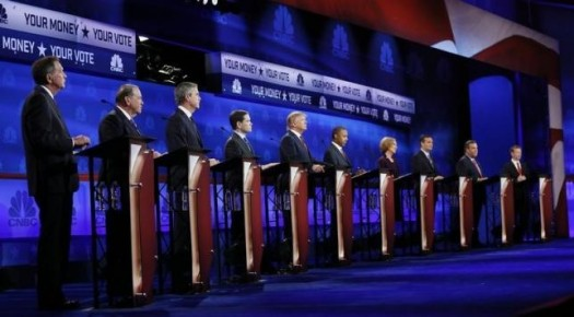 (L-R) John Kasich, Mike Huckabee, Jeb Bush, Marco Rubio, Donald Trump, Dr. Ben Carson, Carly Fiorina, Ted Cruz, Chris Christie and Rand Paul participate in the 2016 U.S. Republican presidential candidates debate held by CNBC in Boulder, Colorado, October 28, 2015. REUTERS/Rick Wilking